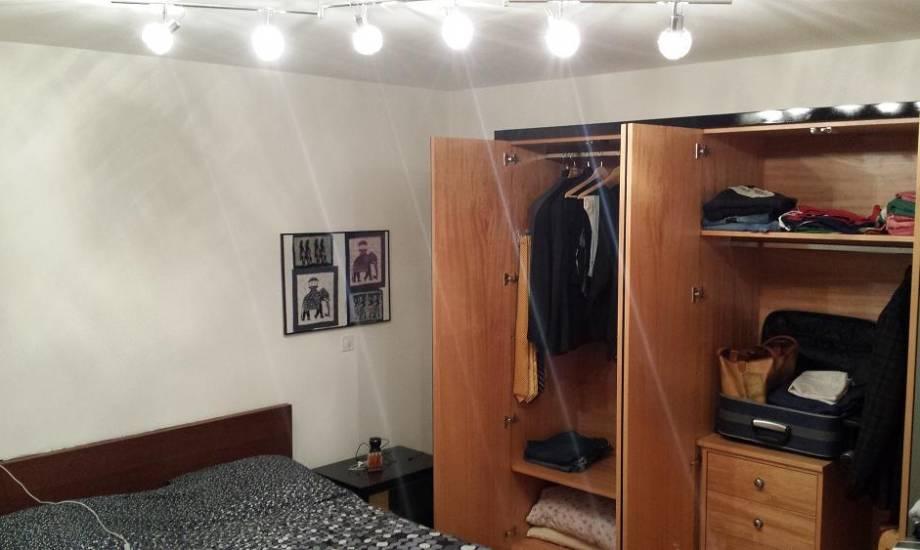 Armadio laccato nero moderno a specchio in legno su misura - Specchio su misura ikea ...