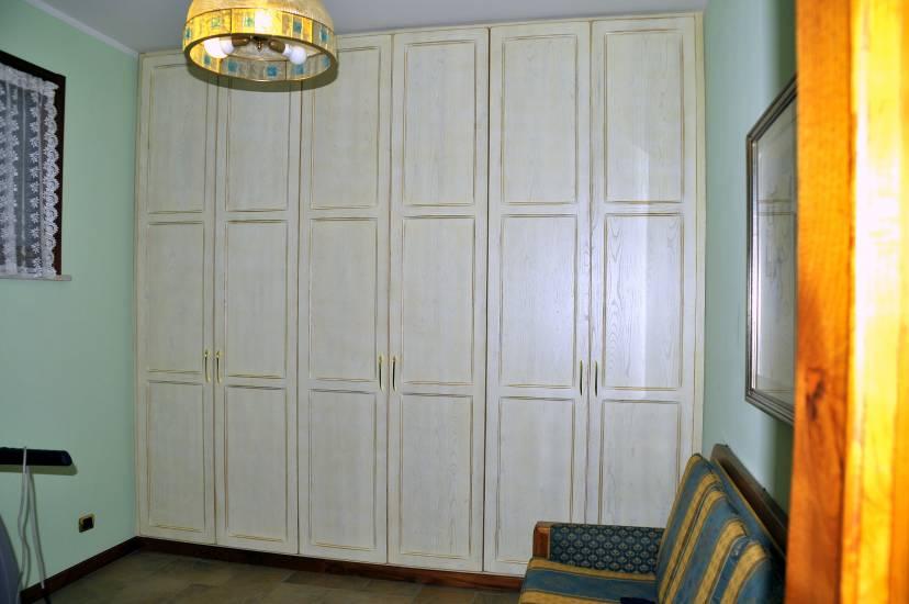 Armadio legno shabby 2 design esclusivo fabbrica di zona for Armadio shabby