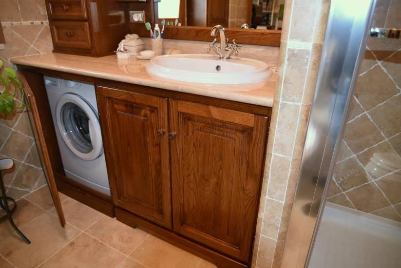 Arredo Bagno Artigianale : Mobile bagno in legno classico artigianale su misura con lavatrice