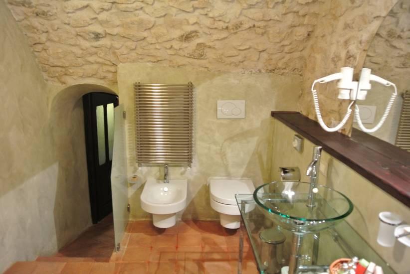 Mobile bagno in legno rustico contemporaneo albergo robur for Oggettistica design moderno