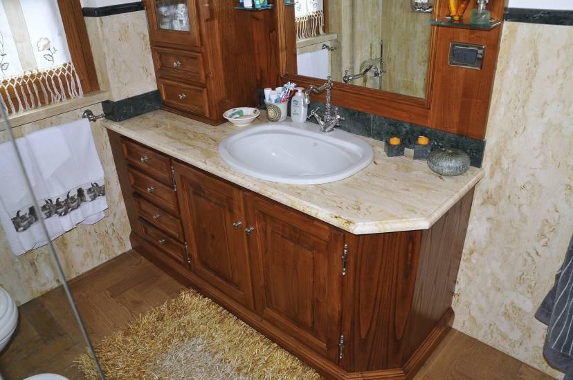 Mobile bagno in legno classico travertino dorato design - Mobile bagno usato roma ...