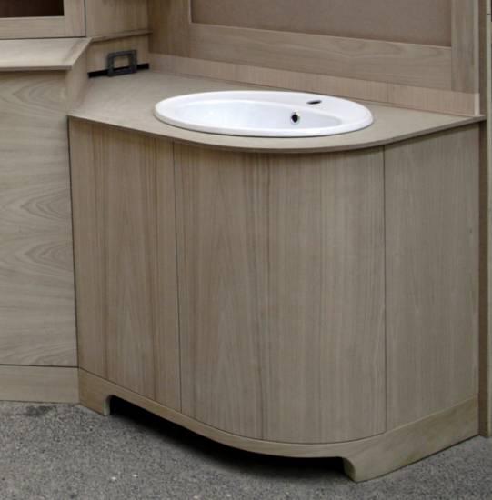 Mobile bagno in legno e alloggio lavatrice design esclusivo fabbrica di bagni oggetti di design - Bagno con sale ...