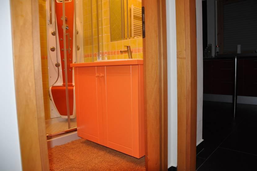 bagno legno arancione fabbrica di bagni oggetti di design su ... - Arredo Bagno Arancione