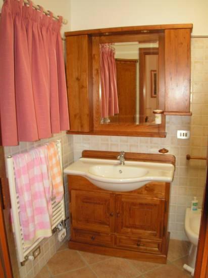 Mobile bagno in legno semincasso rustico design esclusivo fabbrica di bagni oggetti di design su - Mobile bagno rustico ...