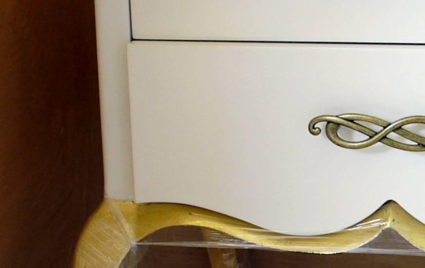 Comodino Barocco Contemporaneo in legno bianco e oro fabbrica di ...
