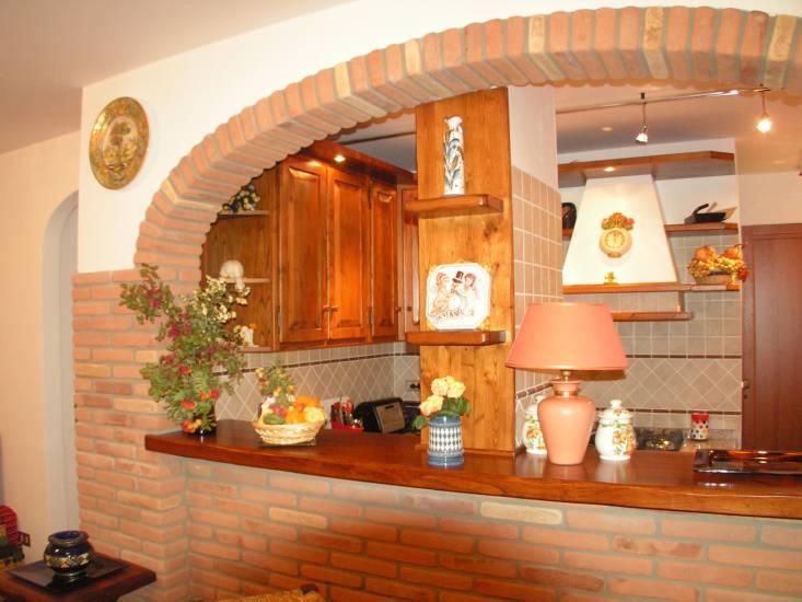 Cucine classiche tutte artigianali in legno fabbrica di - Cucine su misura roma ...