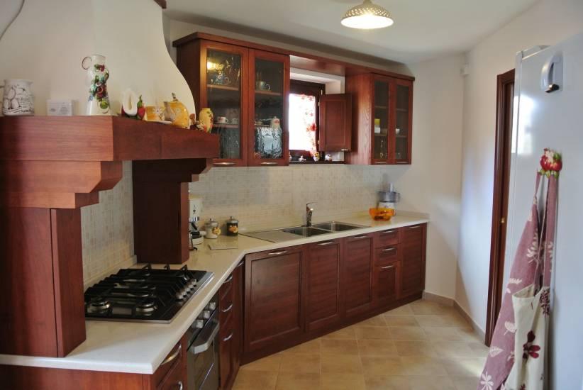 Cucina classica su misura in legno 5 fabbrica di cucine su misura a roma - Fabbrica cucine su misura roma ...