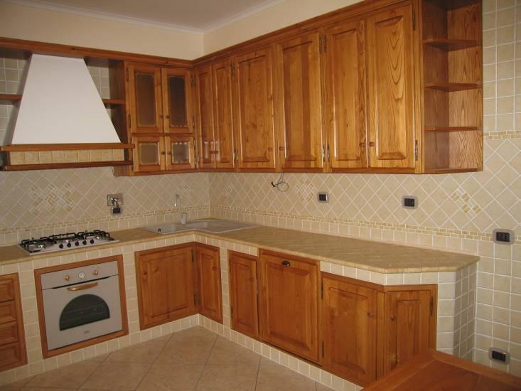 Cucina muratura 1 design esclusivo in legno fabbrica di cucine su misura a roma - Fabbrica cucine su misura roma ...