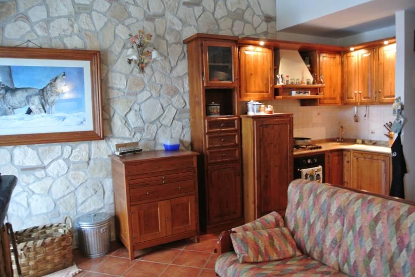 Cucina rustica in legno su misura fabbrica di cucine su misura a roma