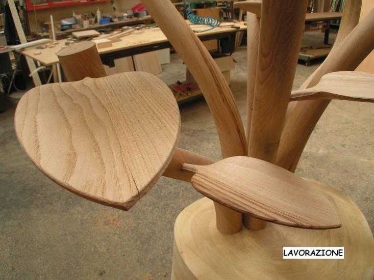 Espositore albero in legno artigianale design esclusivo for Oggetti design per casa