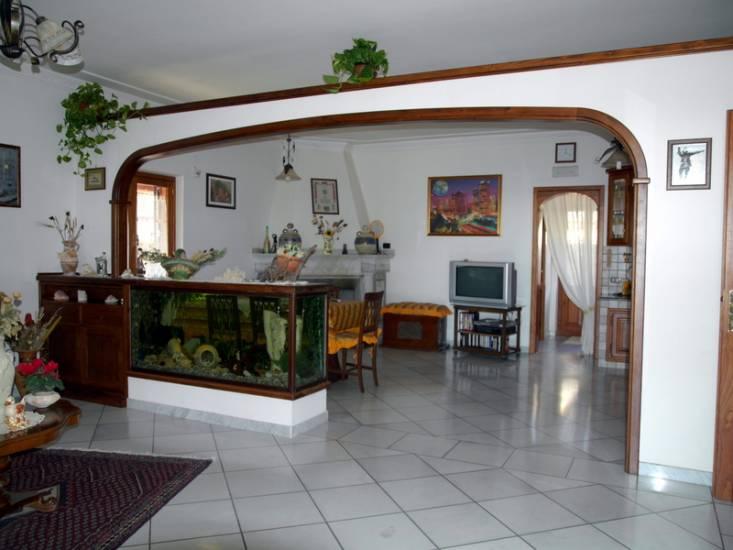 Imbotto su misura grande legno fabbrica di portoni infissi for Archi interni moderni