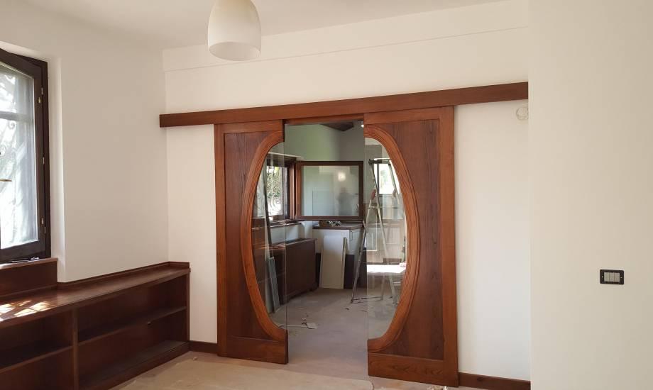 Porta Scorrevole doppia anta in legno su misura di design Cin ...