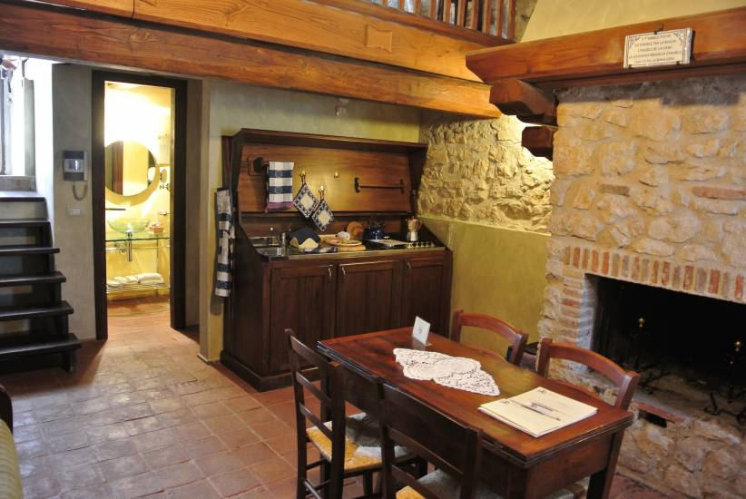 Soggiorno in legno albergo Robur Marsorum fabbrica di Zona ...