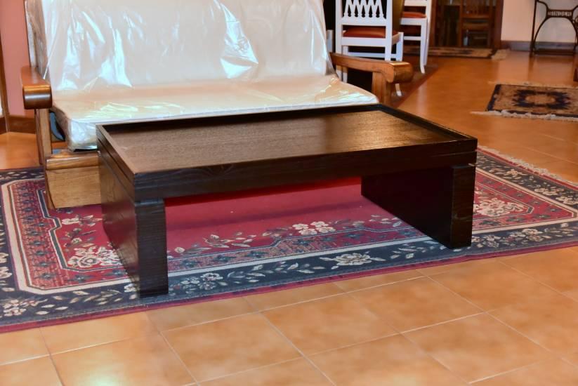 Tavolo salotto nero in legno su misura fabbrica di zona for Tavolo salotto