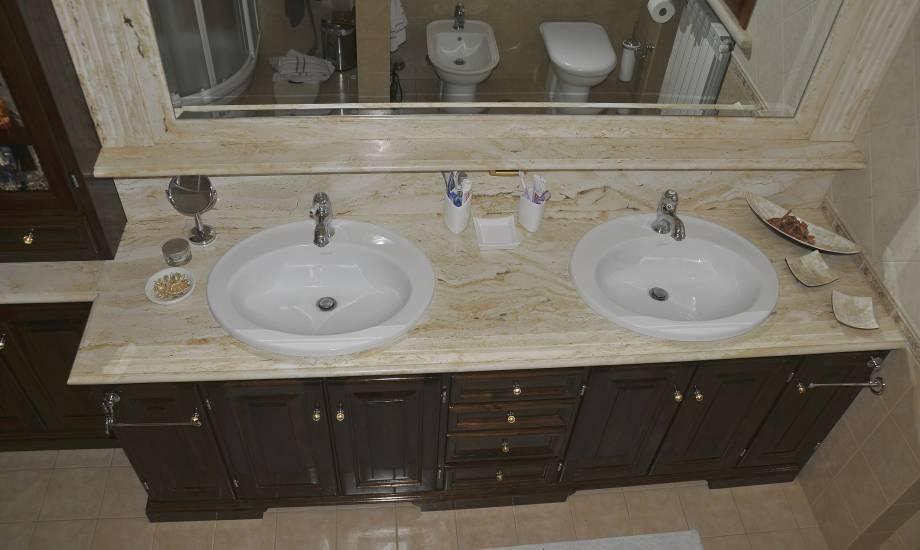 mobile bagno in legno classico due lavabi design esclusivo fabbrica di