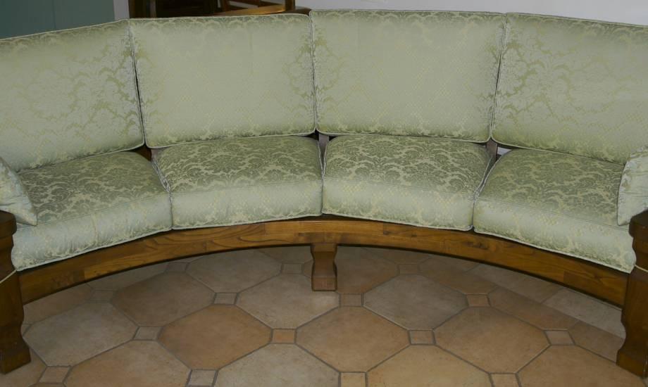 divano circolare saro in legno fabbrica di zona giorno su