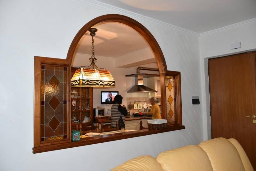 Imbotto arcato design in legno fabbrica di portoni infissi for Corrimano in legno roma