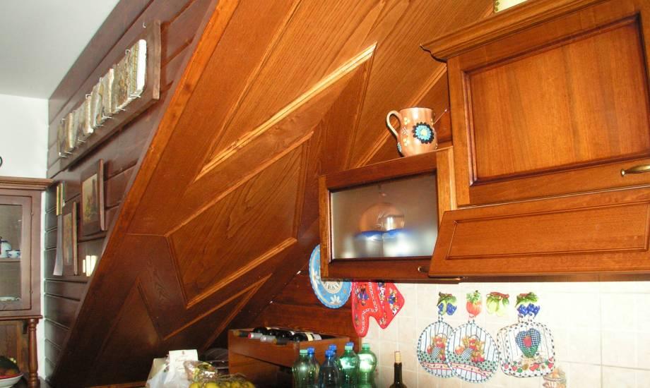 Rivestimento cucina in legno fabbrica di rivestimenti su misura a roma - Rivestimento cucina effetto legno ...
