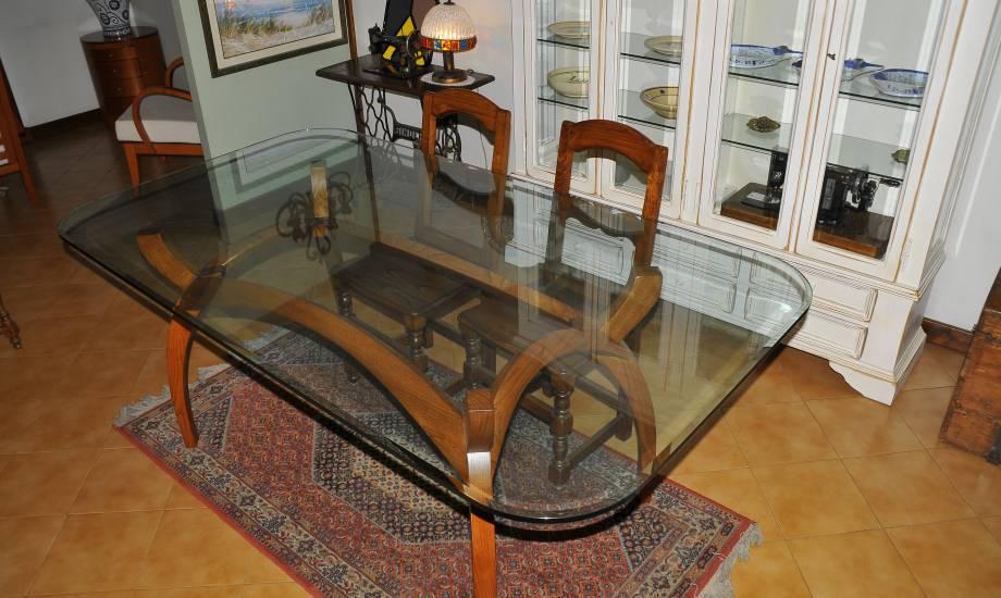 Tavolo in legno e cristallo su misura realizzazione for Tavolo pranzo cristallo